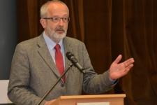Dr. Tüske László